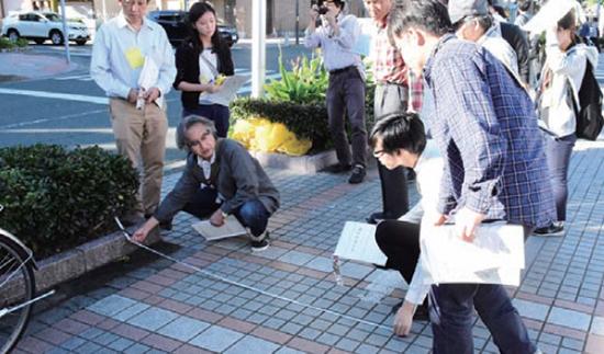 ワークショップ参加者とともに計画案を検証