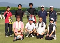 テニス大会参加者と